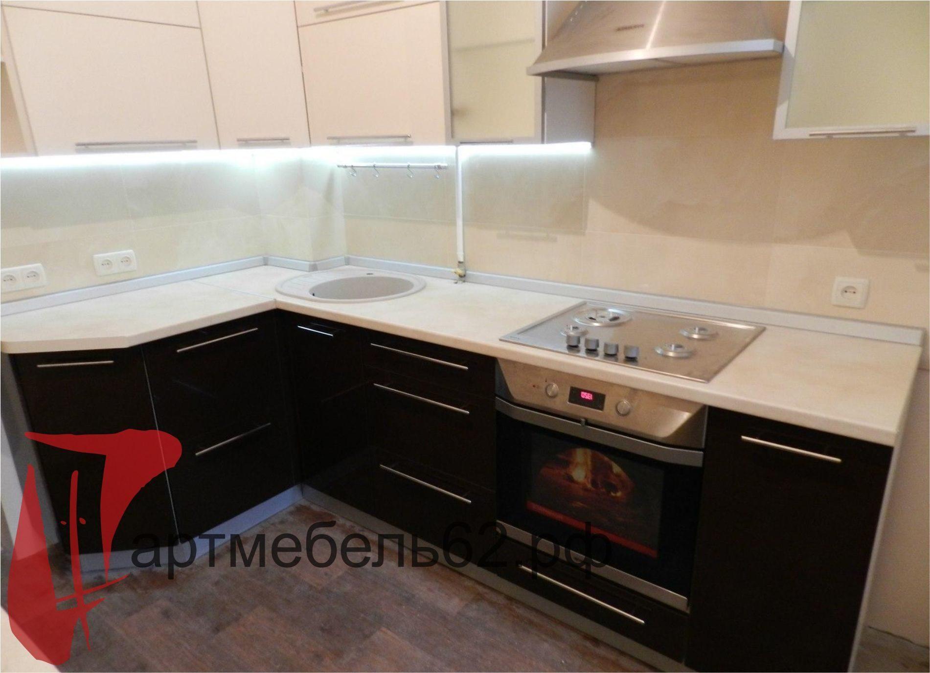 кухни маленькие современные фото